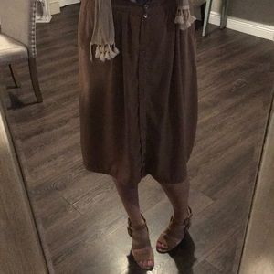 Brown skirt with bottoms